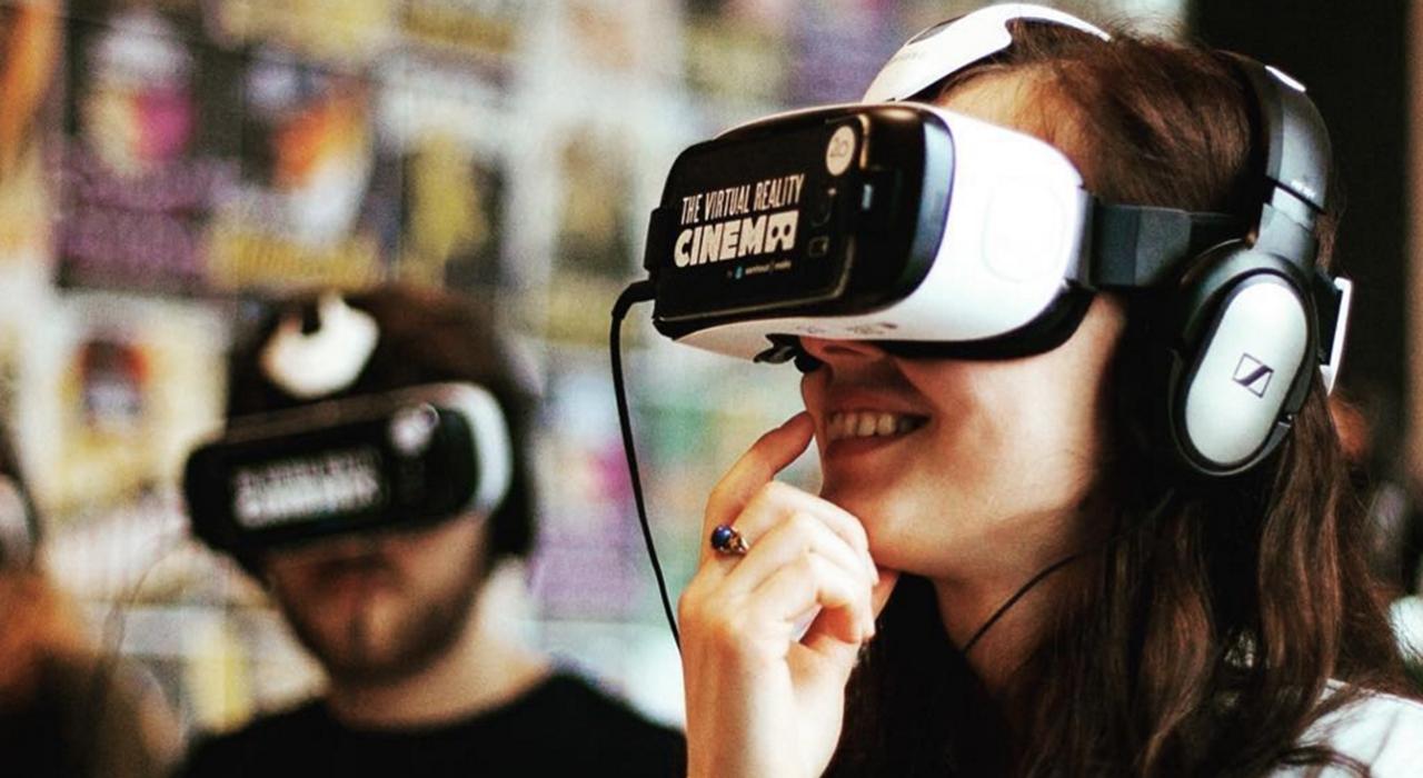 virtual-reality-movie-anna-addison-nude