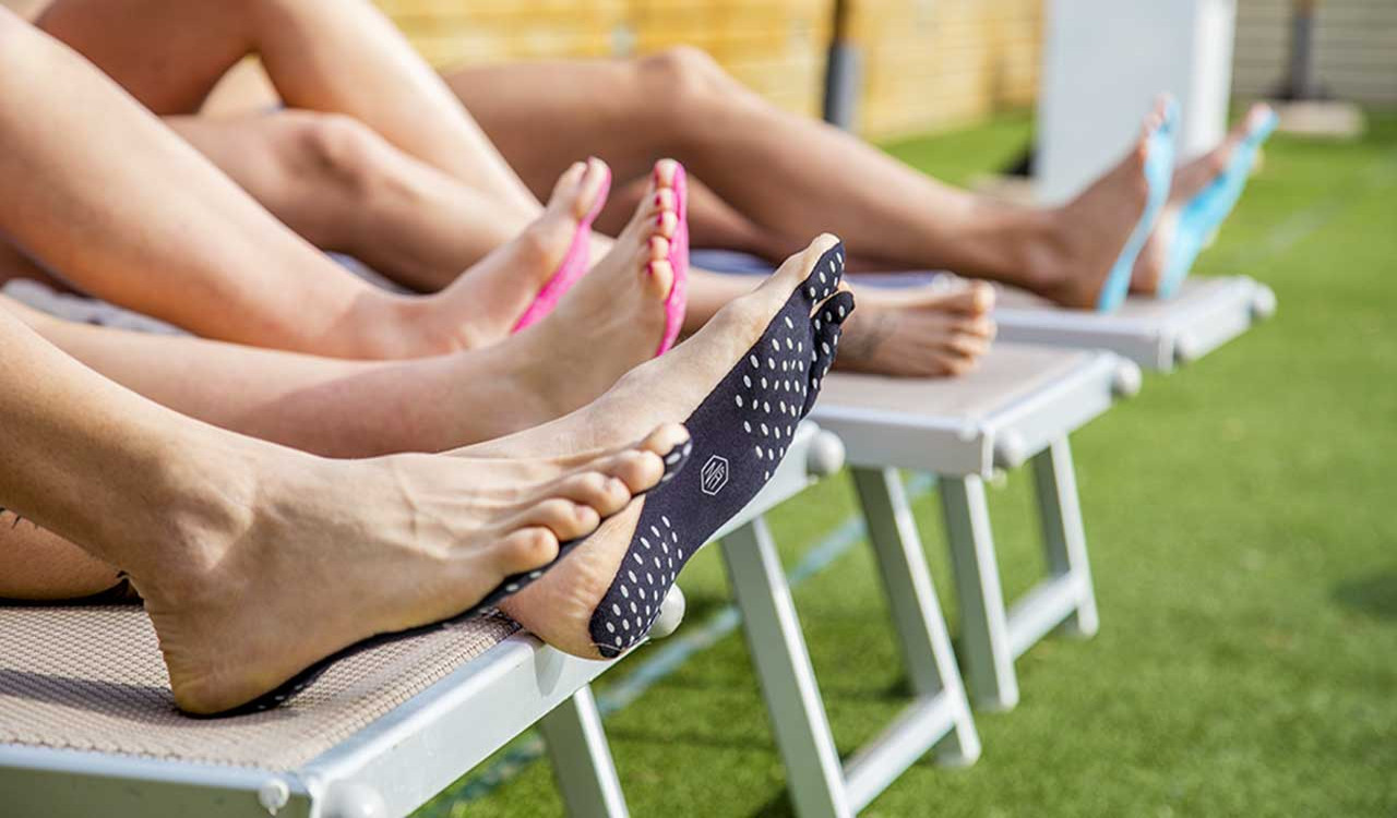 Живой коврик для женских ног и обуви видео смотреть — 3